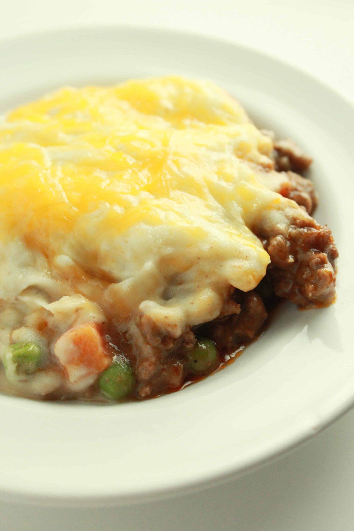 Quick and Easy Family Dinners featured by top US food blog, Practically Homemade: shephards pie skillet