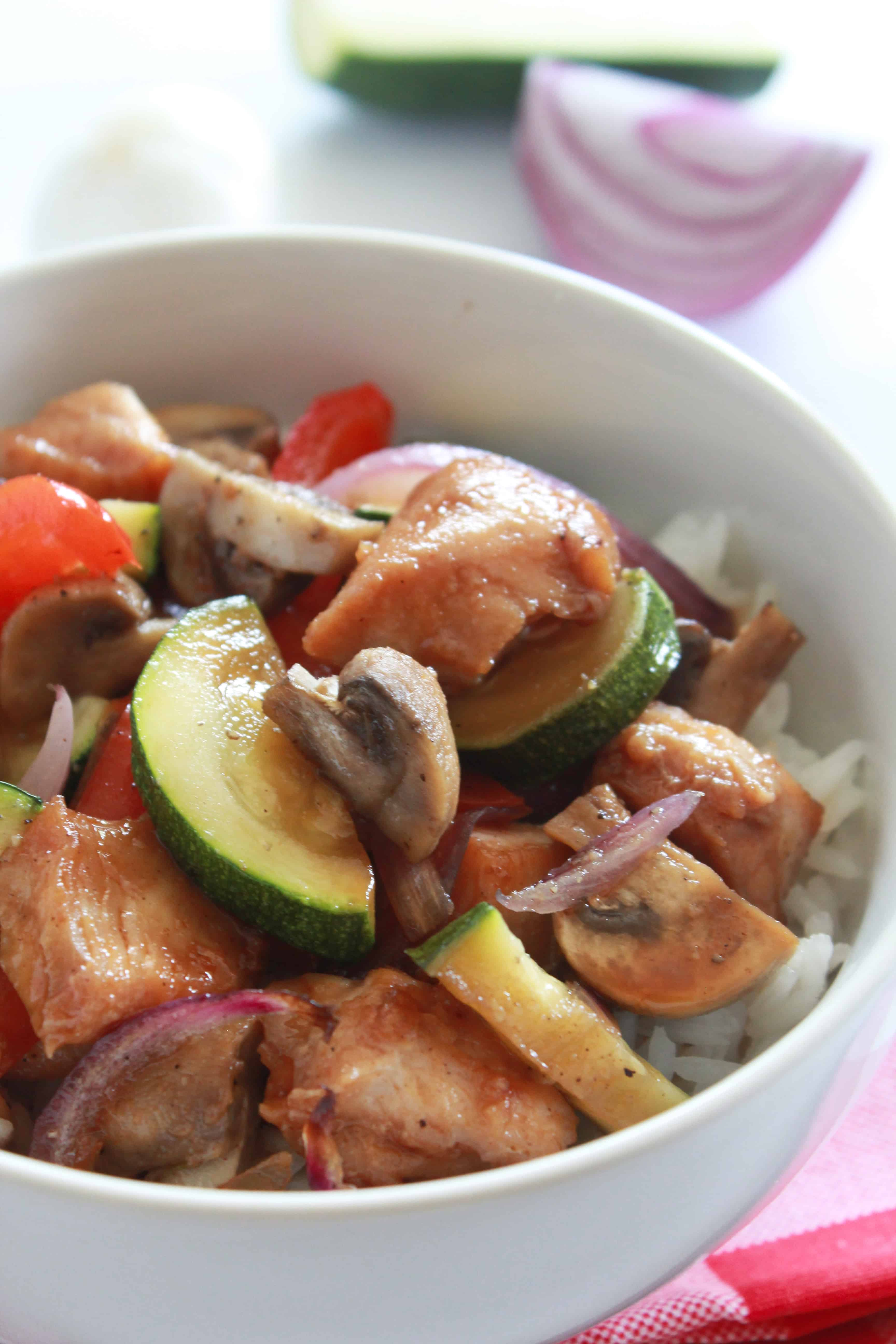 10 Back to School Dinner Ideas in 30 Minutes or Less featured by top US food blogger, Practically Homemade: teriyaki chicken and veggies