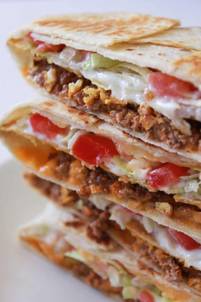 crunchy wrap   crunch wrap supreme   crunch wrap taco bell   crunchy taco   taco bell copy cat recipe   crunch wrap recipe   recipe with tostada shell