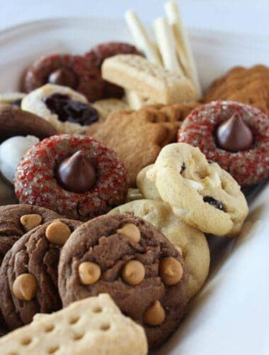 How to Make an Easy Holiday Cookie Tray tips featured by top US cookie blog, Practically Homemade