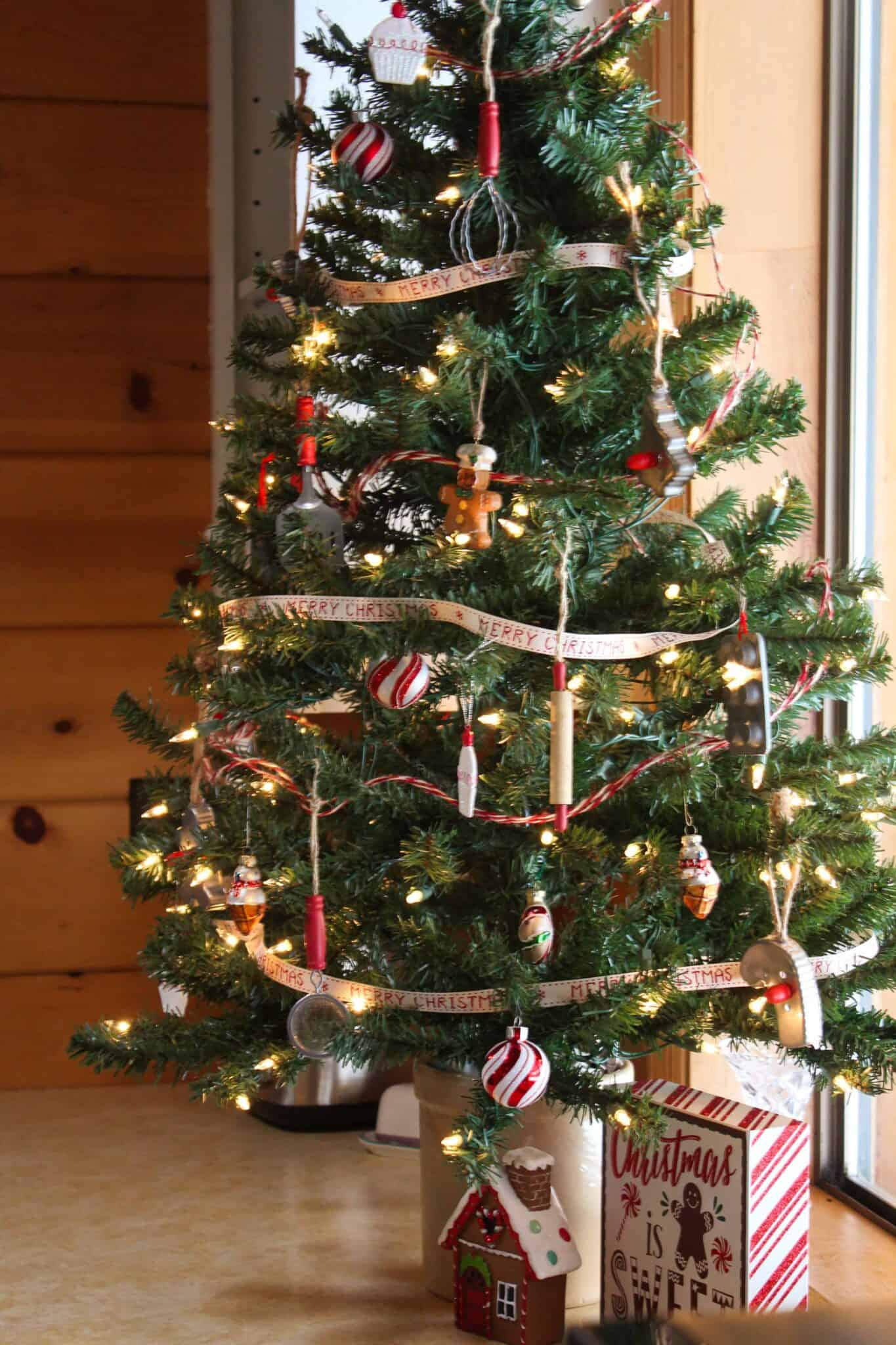 Rustic Farmhouse Christmas Tree Ideas for your Kitchen featured by top US food blog, Practically Homemade