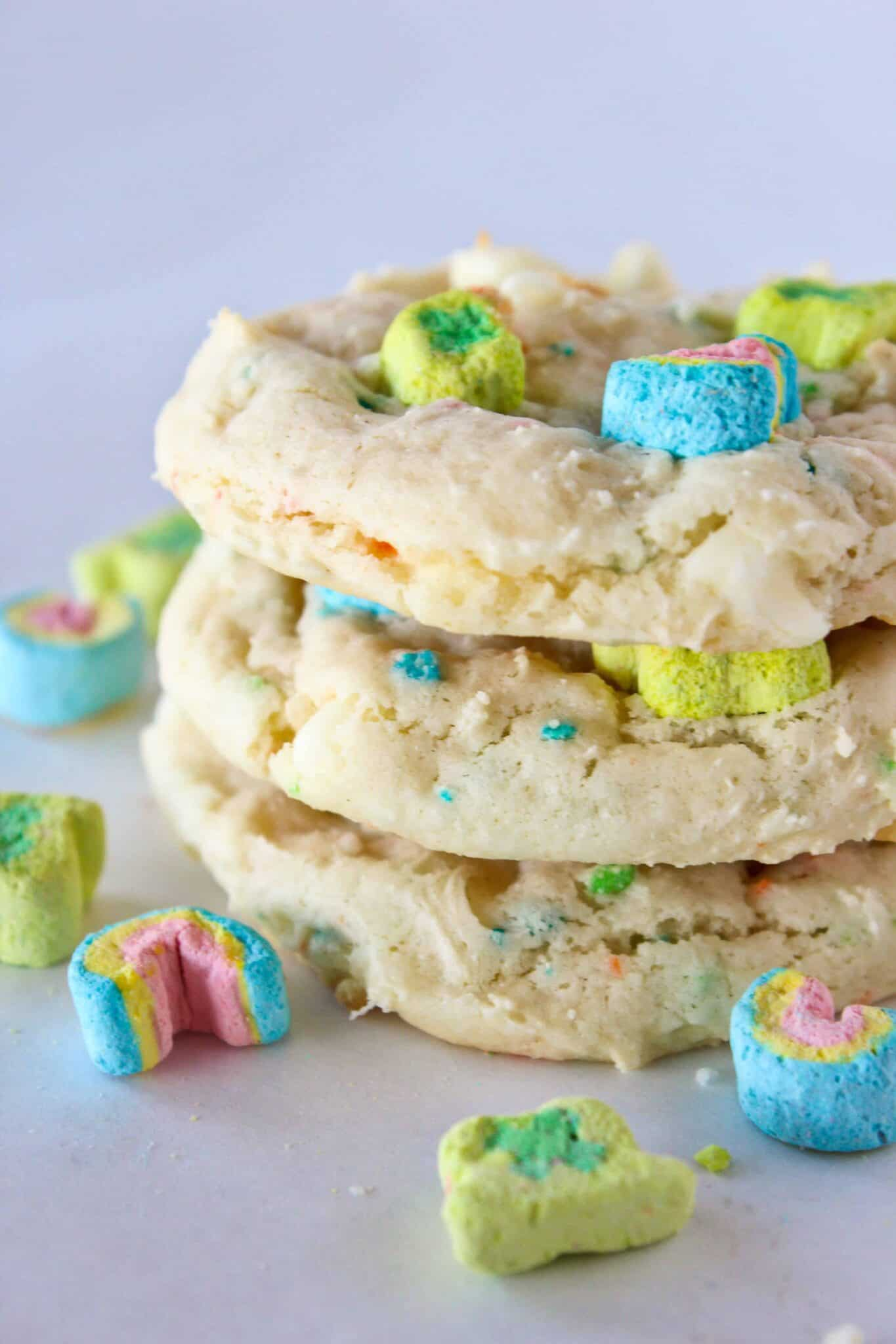 St Patrick's Day Cookies recipe featured by top US cookie blog, Practically Homemade.