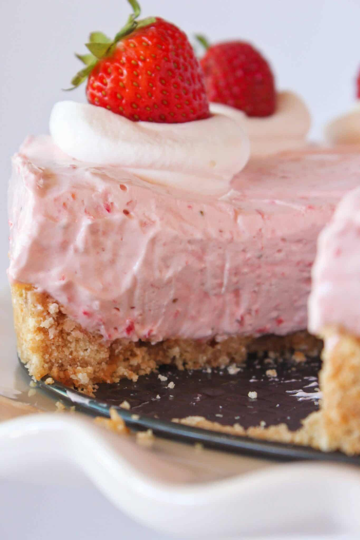Best No Bake Cheesecakes of 2020 featured by top US dessert blogger, Practically Homemade: no bake strawberry cheesecake