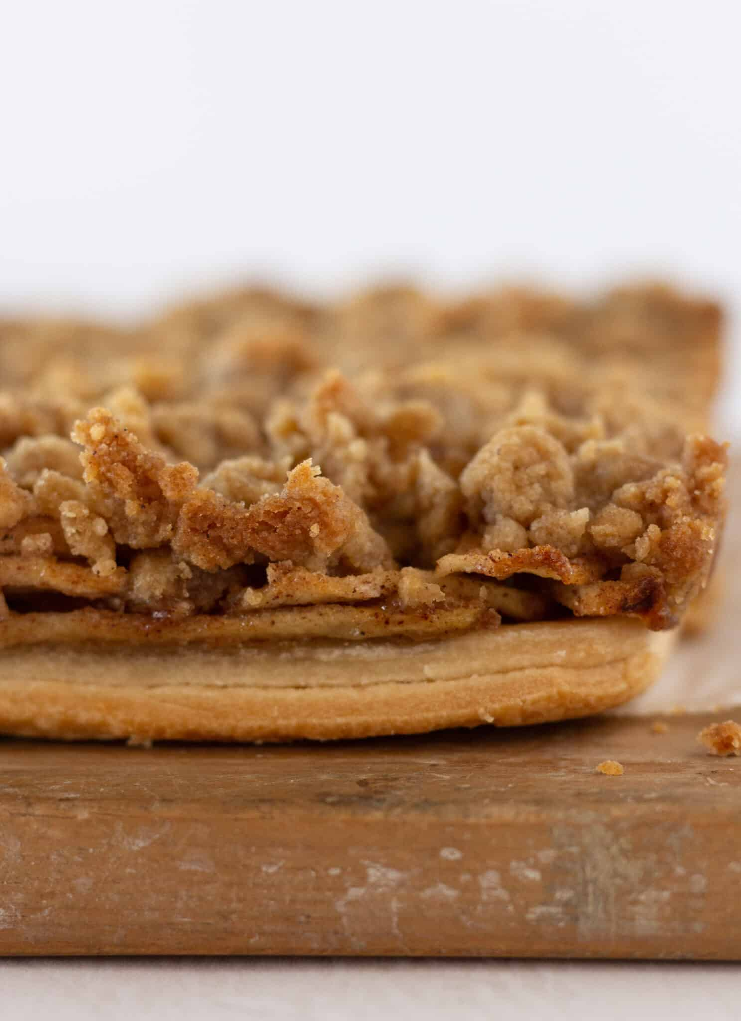 Easy Fall Desserts: Dutch Apple Pie Bars Recipe featured by top US dessert blog, Practically HomemadeEasy Fall Desserts: Dutch Apple Pie Bars Recipe featured by top US dessert blog, Practically Homemade