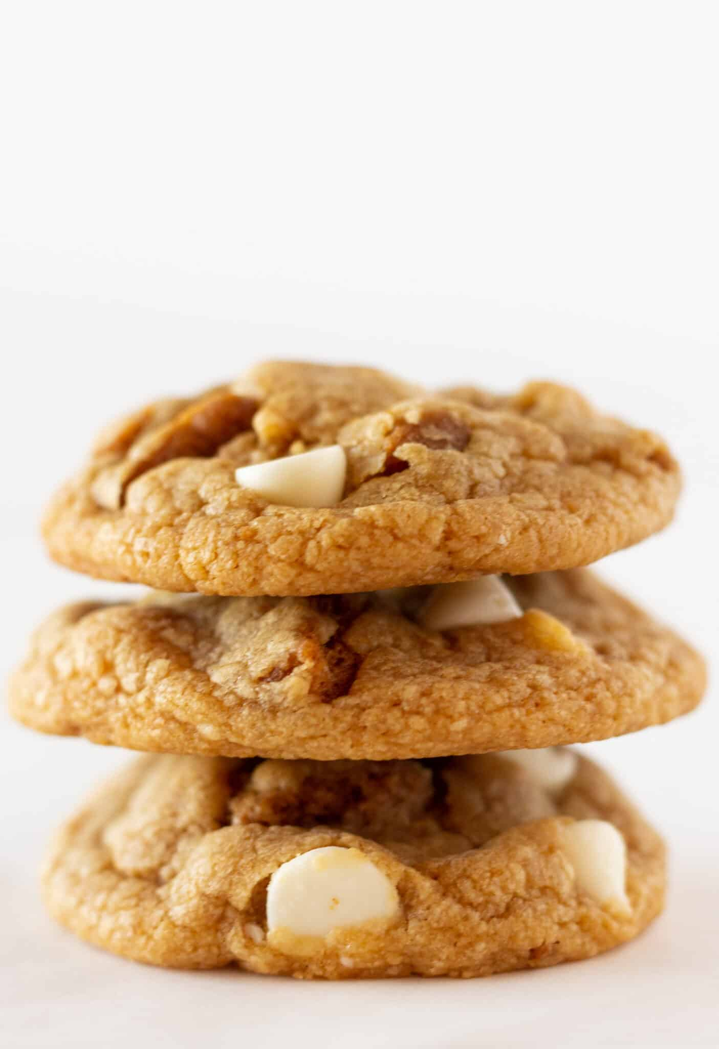 Easy Homemade Biscoff Cookies Recipe with a Cake Mix featured by top US cookie blogger, Practically Homemade